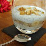Chia Joghurt Dessert mit Honigwalnüssen und Datteln