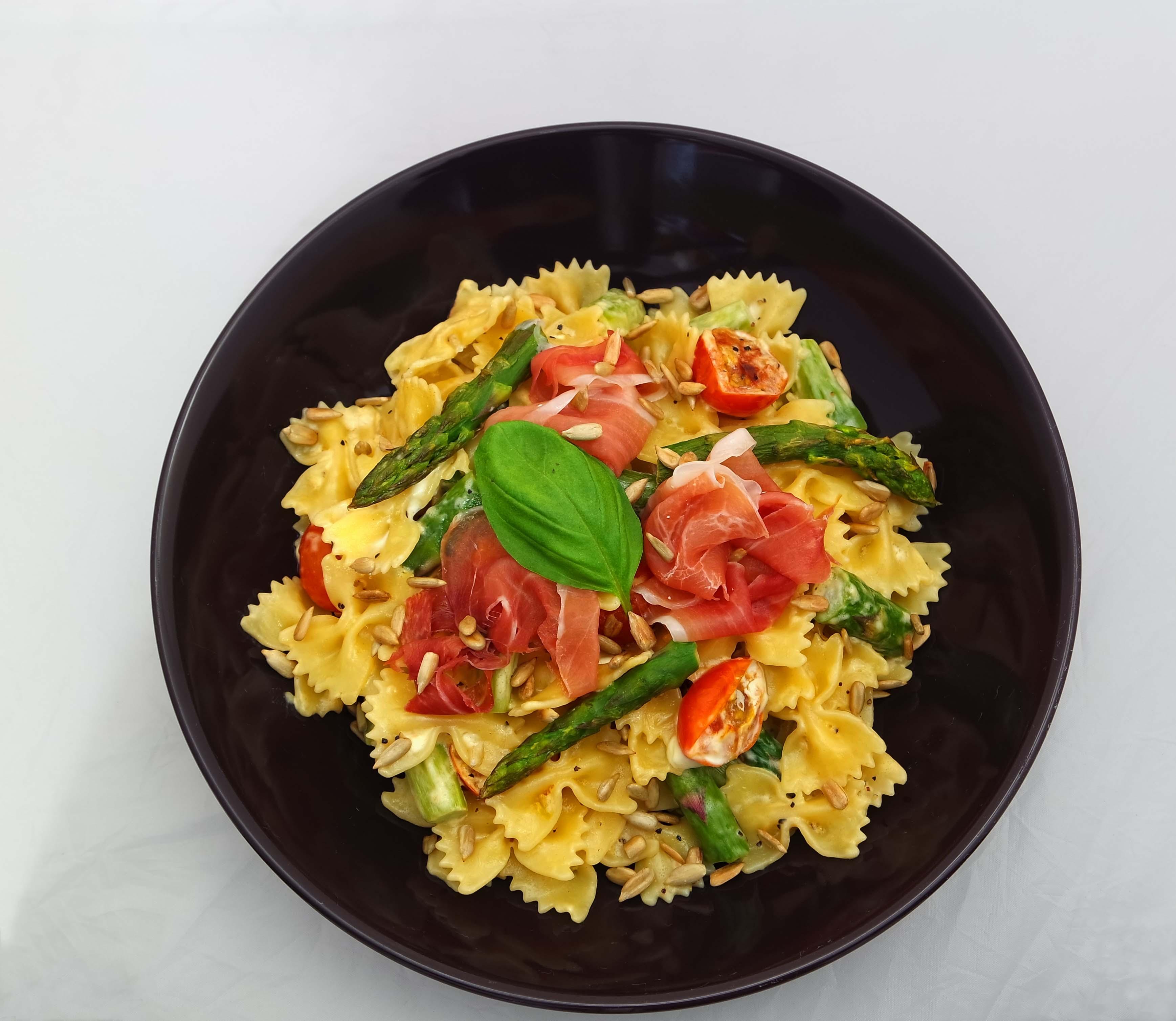 pasta mit spargel und schinken